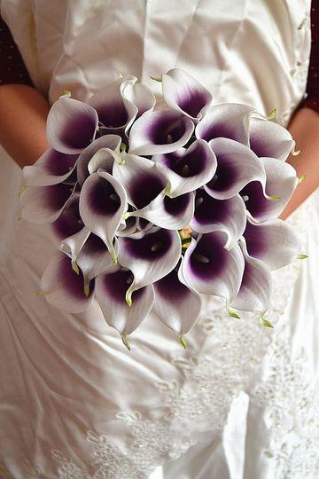 Picasso calla lily bouquet