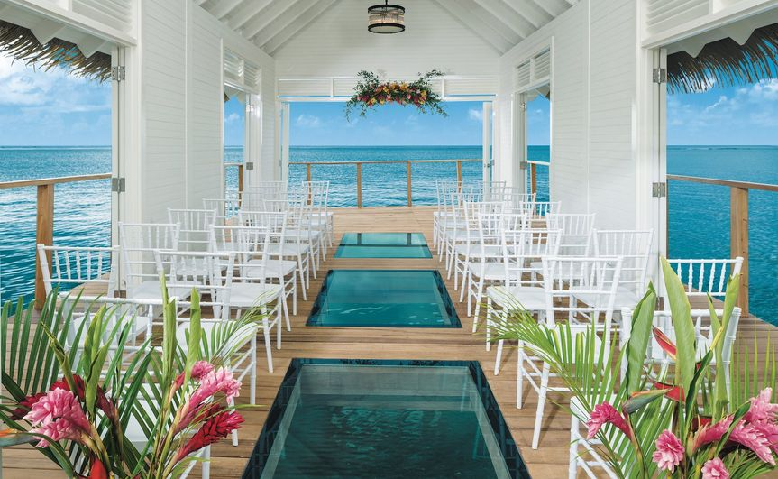 Over the water chapel ceremony