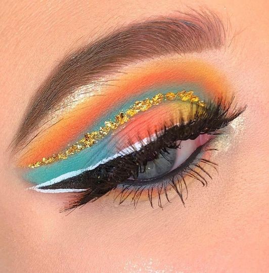 Alluring eye makeup