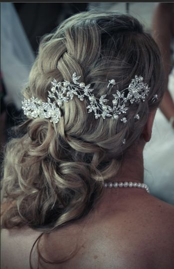 The bride's headpiece
