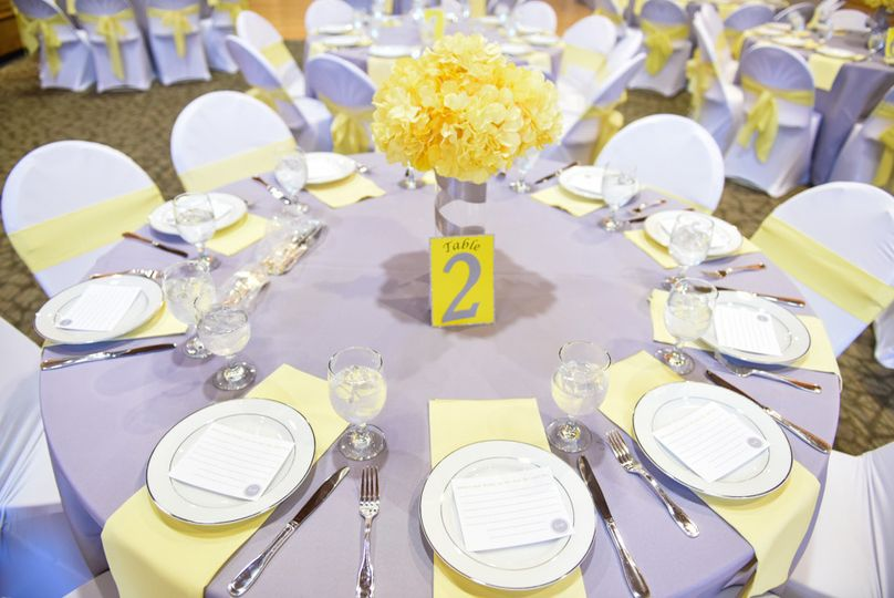 Table setting in lilac