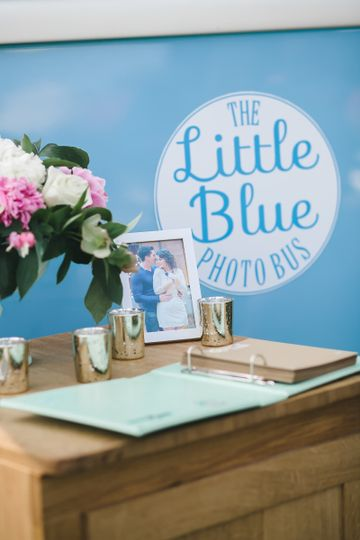 A custom guestbook is included in the 4-Hour Package!