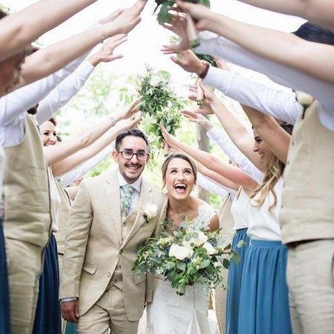 Tmx Emily Z And Hubby 51 550343 157901083815751 Wauwatosa, WI wedding florist