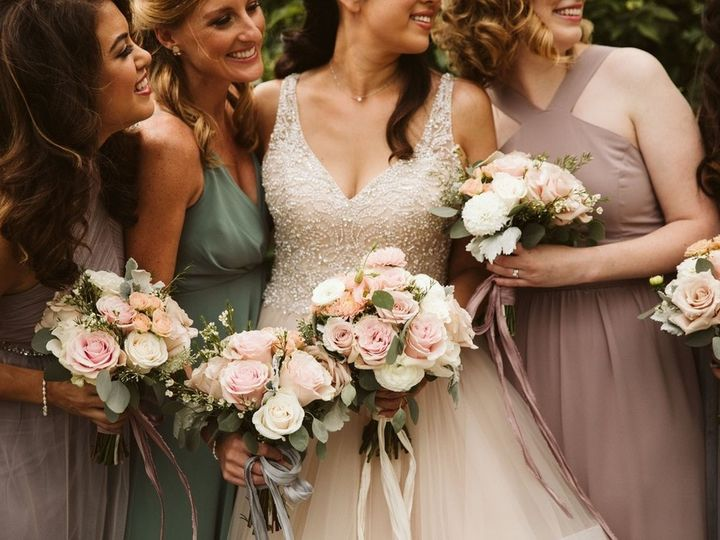 Tmx T30 1092099 51 550343 160011296818884 Wauwatosa, WI wedding florist