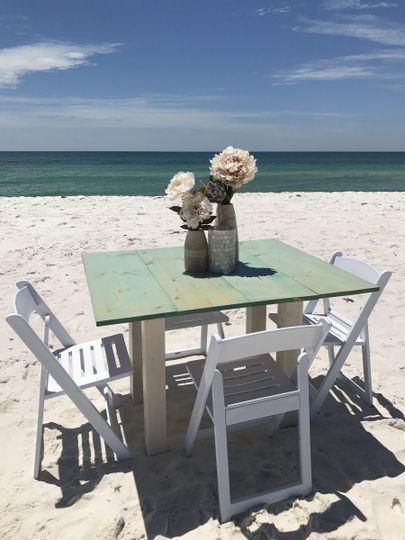 Beach reception table