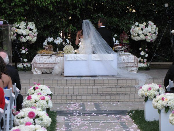 blossom floral inc flowers los angeles ca weddingwire. Black Bedroom Furniture Sets. Home Design Ideas