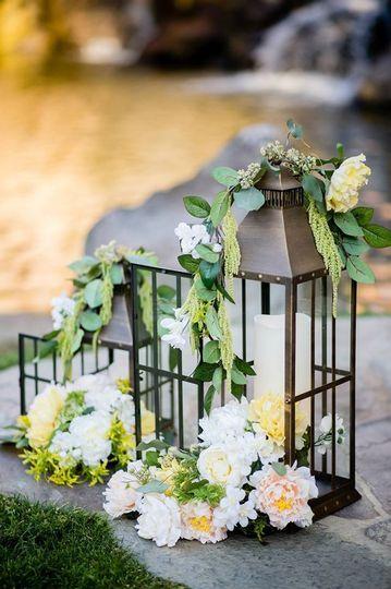 yellow coral rustic wedding decor fascianre 07