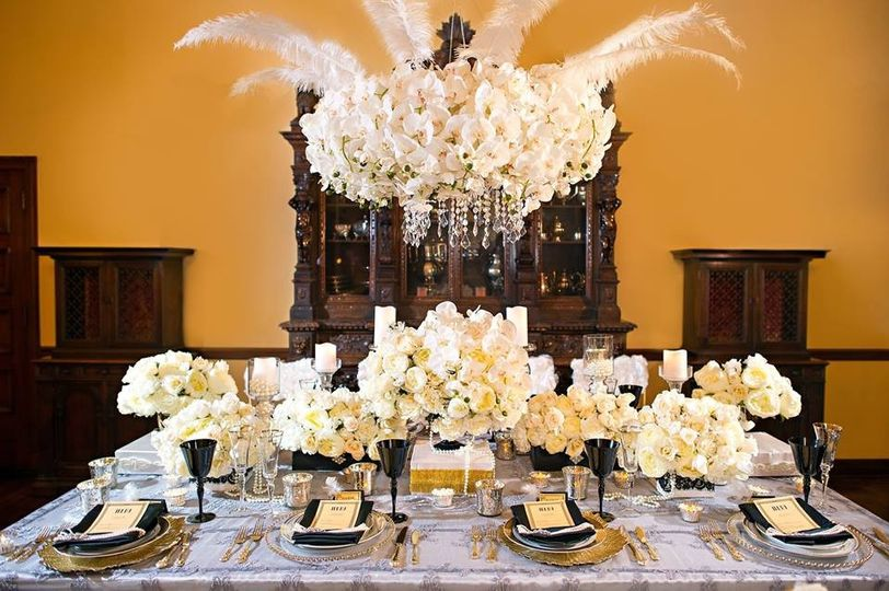 gold white black gatsby wedding decor 3