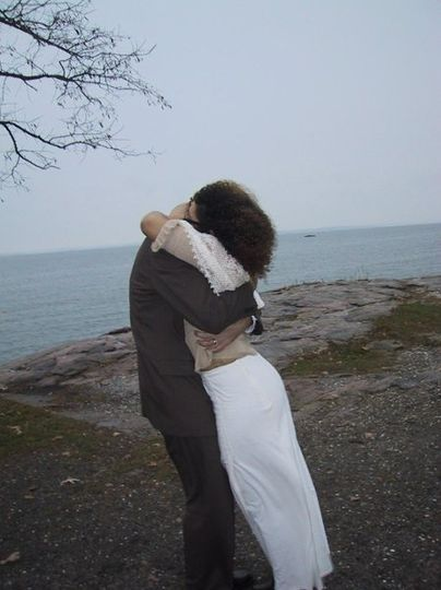 Hug by the cliff