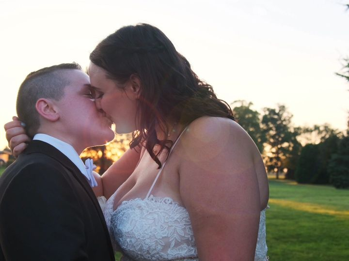 Tmx 7 13 19 Cover 51 603443 157608321387314 Akron, OH wedding videography
