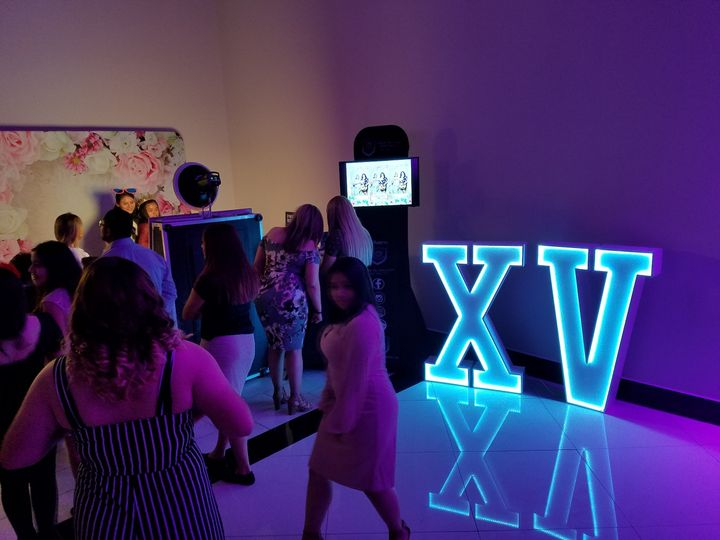 XV LED Letters