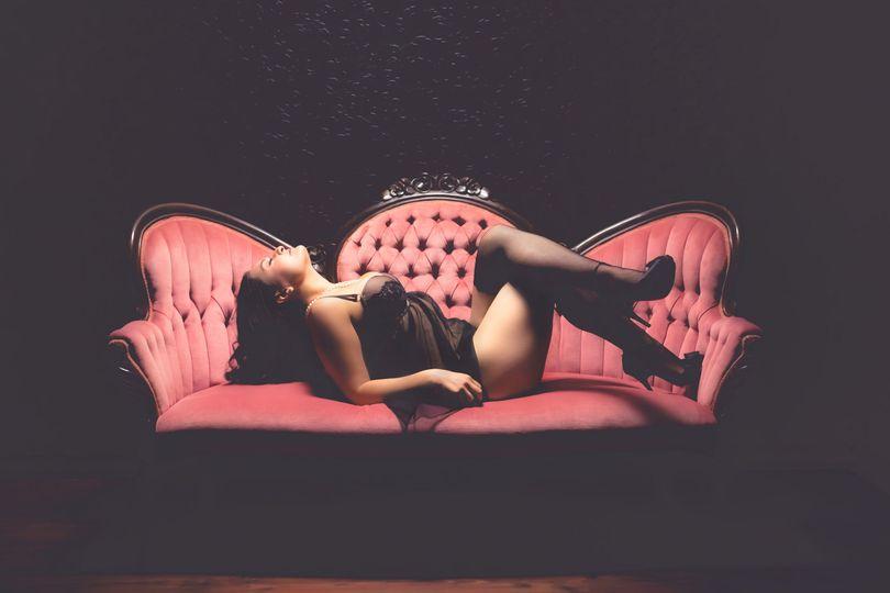 mellBella Boudoir & PinUp Photography