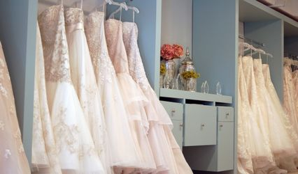 Lauderdale Bride with Gowns to Go 1