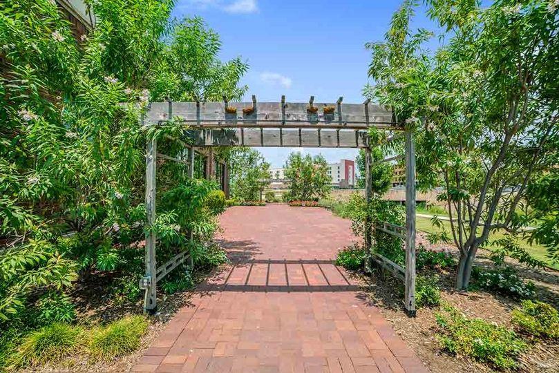 The Roman Garden Arch
