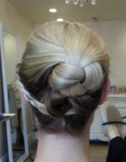 tiffany hair knot