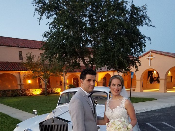 Tmx 1521503762 25f6d57e57dbfc9b 1521503760 73da38d657f9adcb 1521503749665 1 20160506 201158 Fort Lauderdale, Florida wedding transportation