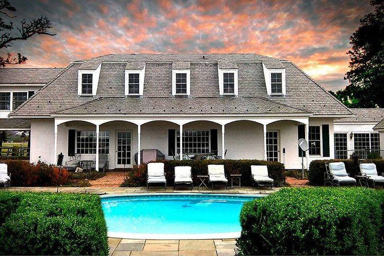 Wedding Mansion Pool