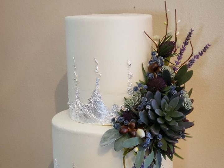 Tmx 66909186 2050744578363873 929256405448261632 O 51 907543 1569433077 Olympia, WA wedding cake