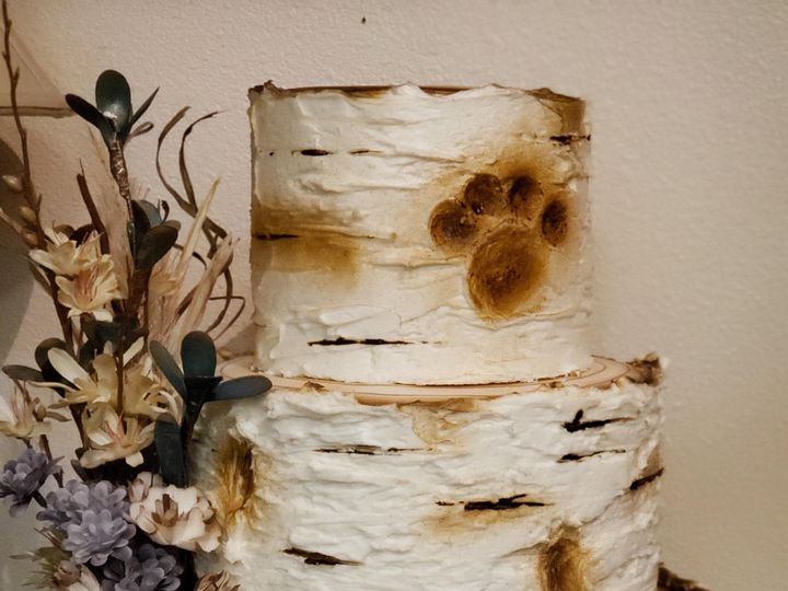 Tmx Birch Bark With Paw Print 51 907543 1569432566 Olympia, WA wedding cake