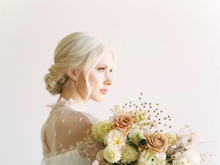 Tmx 17190b64 4894 4778 Be51 2010bf2e7480 51 1049543 1573324149 Dallas, TX wedding florist