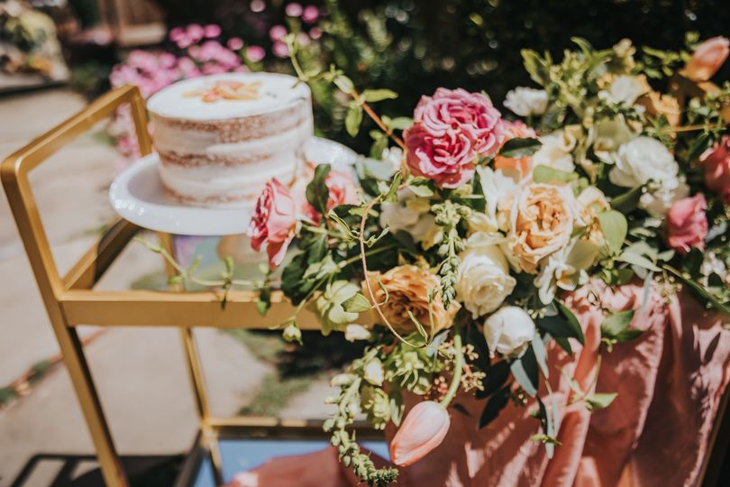 Sweet Tables & Cake Carts