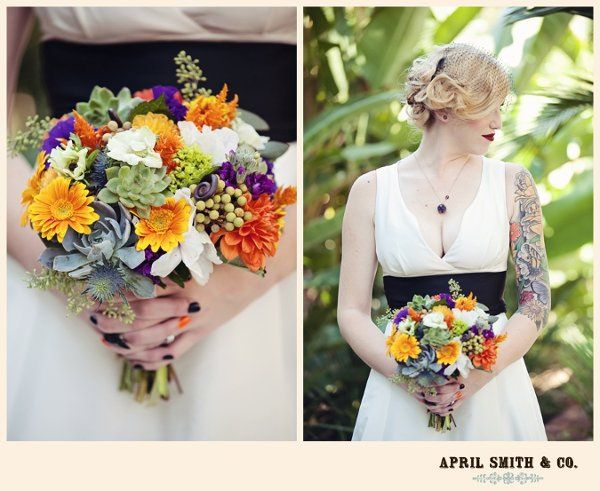 Kristen chose bright beautiful colors of fall for her Hallowedding!