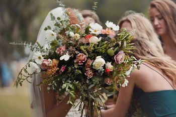 Wedding florals on Wimbee