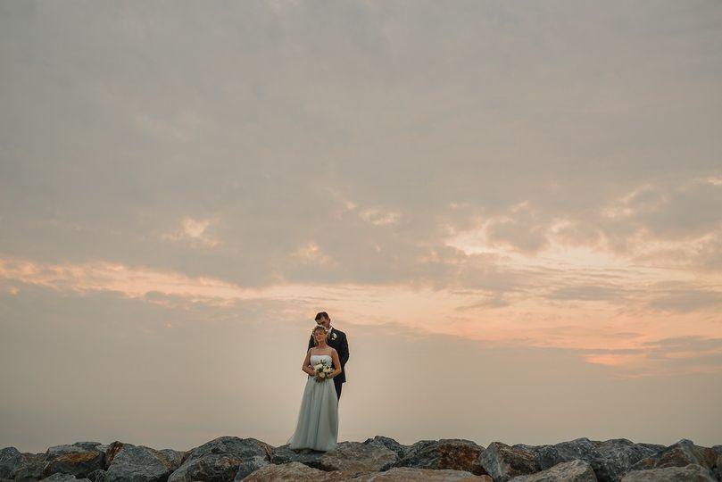 Bride&Groom, sunset on the sea