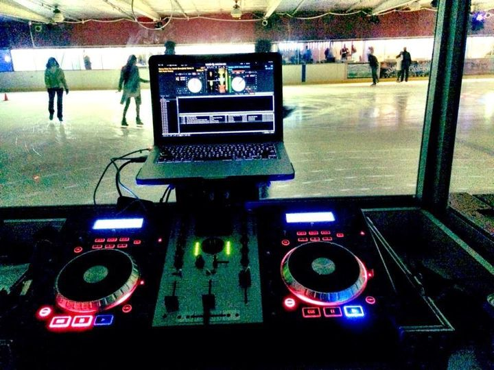 DJ mixing table​