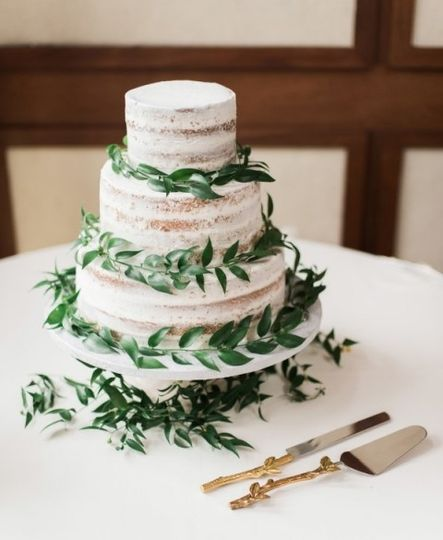 Naked Cake Greenery