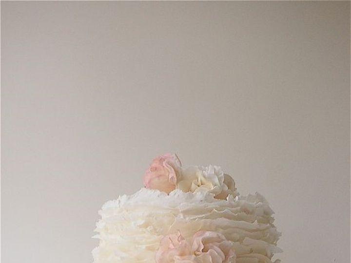 Tmx Ruffle1 51 973643 1556548724 Beaumont wedding cake