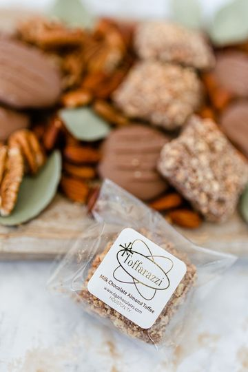Chocolate favors and desserts