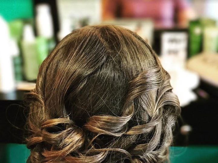 Tmx Traveling Stylists 4 51 1024643 Syracuse, NY wedding beauty