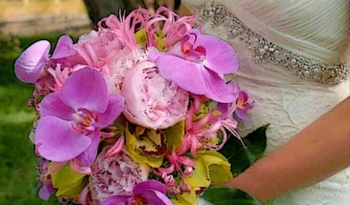 Twisted Stem Floral