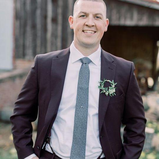 Hoop style groom boutonniere