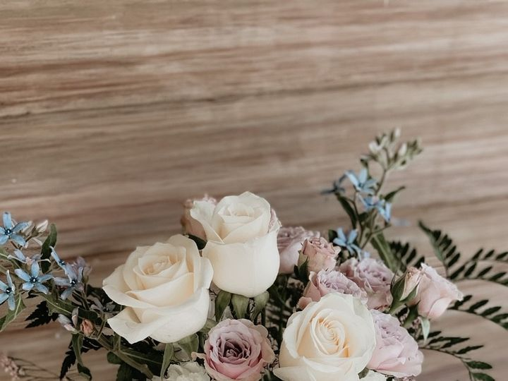 Tmx Img 5008 51 1954743 159215621182742 Biglerville, PA wedding florist