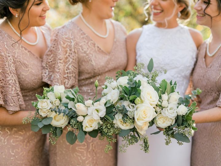 Tmx Img 7075 51 1954743 159215623549595 Biglerville, PA wedding florist