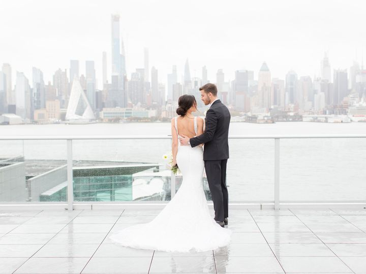 Tmx 04 Outdoor Portraits 56 51 1074743 157530206114444 Weehawken, NJ wedding venue