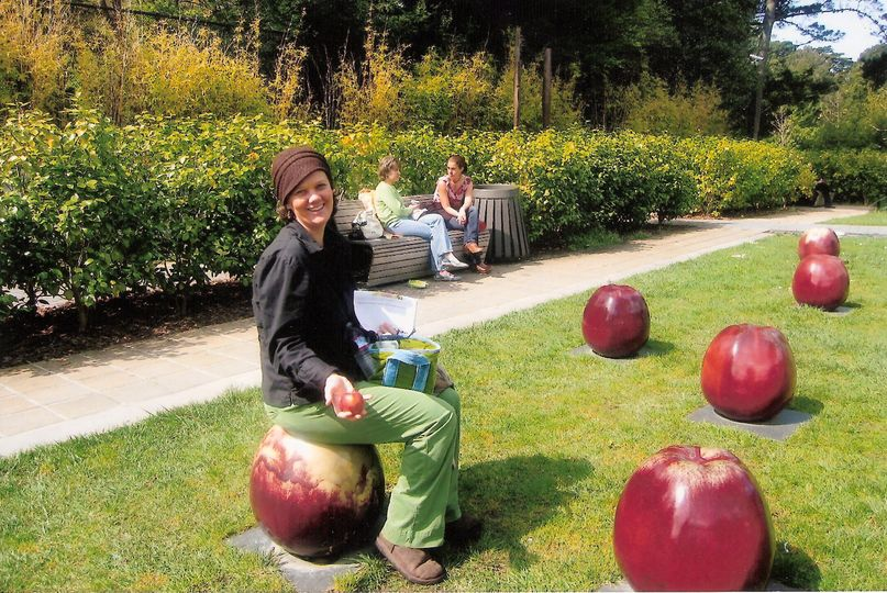 7bdf77a59be9f572 apples
