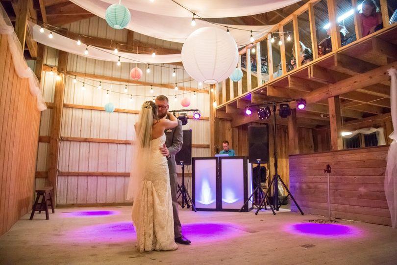 z barn dance with dj 51 1040843 v1