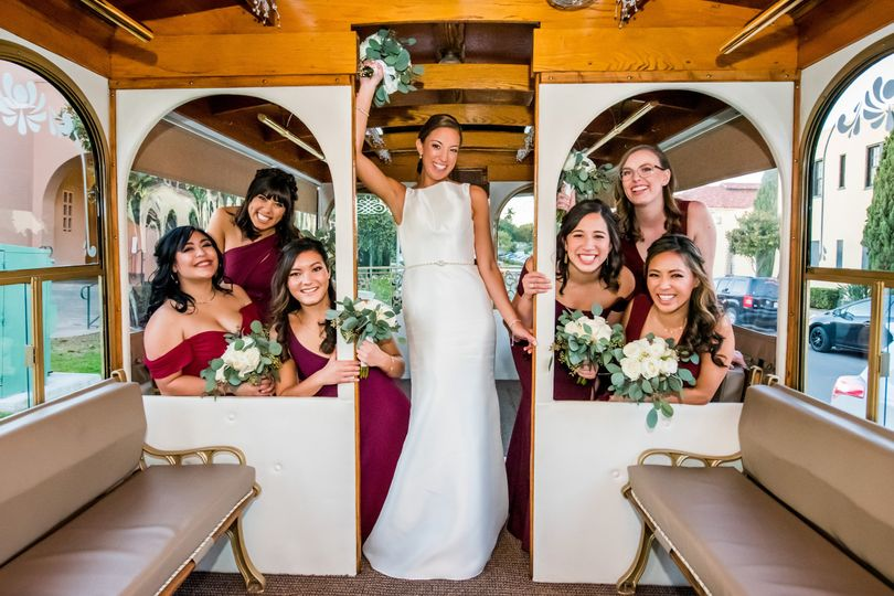 trolley photo bridesmaids 51 340843