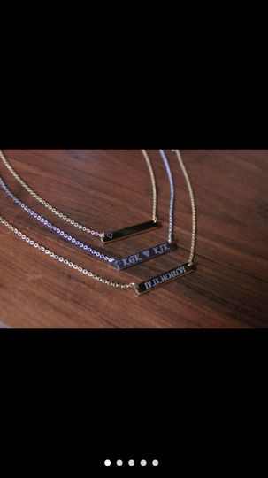 Nameplate necklaces
