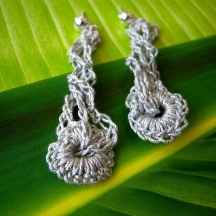 Custom fiber jewelries, modern heirlooms, as wedding favors or gifts to your sponsors.