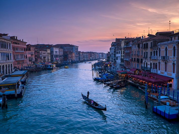 venice sunset canal gondolier