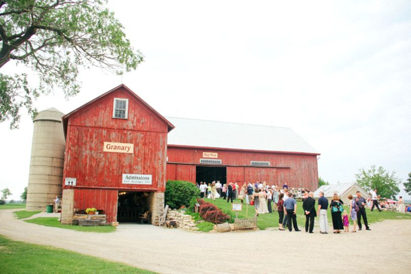 barn hill weddin