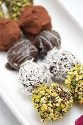 Plated cakeball truffles