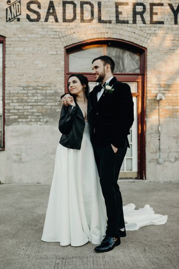Chic Austin bride