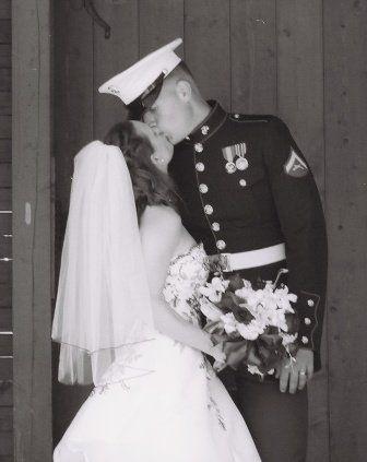 Black and white kiss