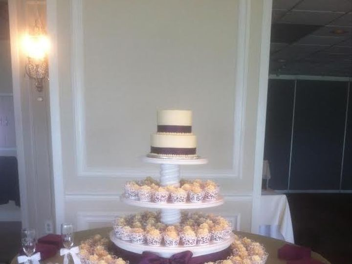 Tmx 1416323024940 666666 Greenwood wedding cake