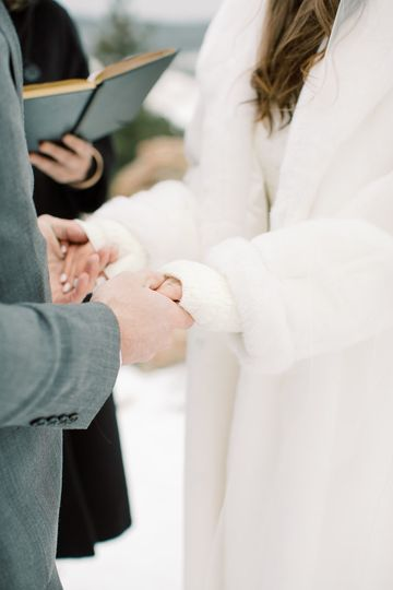 Exchanging their vows - Allie & John Photography